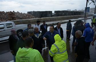 محافظ الإسكندرية يتفقد عددا من المناطق لمتابعة تصريف وشفط مياه الأمطار  صور