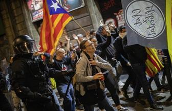 عشرات الآلاف يحتشدون في كتالونيا دعما لوحدة إسبانيا