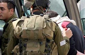 قوات إسرائيلية تعتقل 13 فلسطينيا في الضفة الغربية