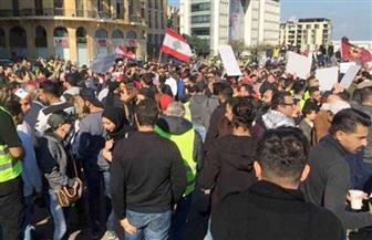 الباعة الجائلون يوفرون الطعام للمحتجين في وسط بيروت