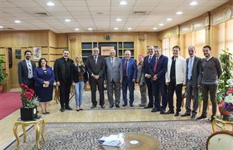 جامعة المنصورة توقع بروتوكول تعاون مع نقيب الممثلين ورئيس أكاديمية الفنون لتبني المواهب الفنية |صور