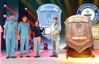 الإمارات تدخل موسوعة جينيس بأكبر شارة شرطية بالعالم