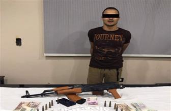 سقوط تاجر مخدرات بحوزته 119 تذكرة هيروين وسلاح ناري بشبين القناطر