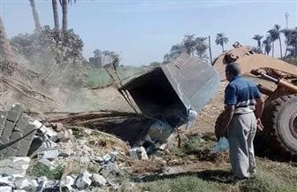 إزالات فورية لـ5 حالات تعد وبناء مخالف بسوهاج | صور