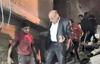 نائب محافظ القاهرة يتفقد العقار المنهار بباب الوزير