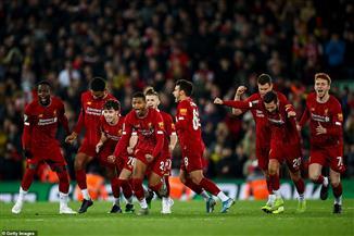 """الإنجليز يشيدون بـ""""عقلية الفوز"""" لمدافع ليفربول"""