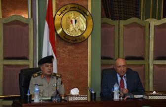 وزير الخارجية يلتقي الدفعة 49 من دارسي دورة الدفاع الوطني لأكاديمية ناصر العسكرية |صور
