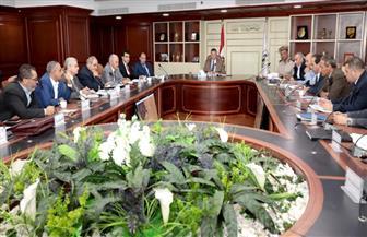 محافظ بني سويف: الموافقة على 953 طلبا وتحرير 162 عقدا لتقنين أراضي الدولة |  صور