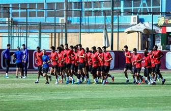 فقرة ترفيهية للاعبين في مران الأهلي