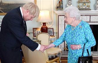 هل تقيل الملكة إليزابيث بوريس جونسون من رئاسة وزراء بريطانيا؟