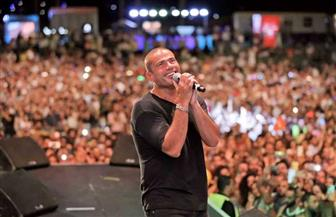 عمرو دياب يكشف موقفا جعله يغنى قبل صعوده على المسرح