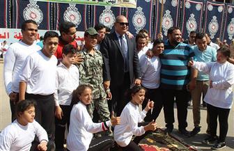 محافظة الغربية تحتفل بعيدها القومي بعروض فنية وعسكرية وعربات محملة بالزهور | صور
