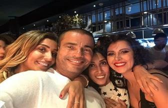 عمرو دياب يحتفل بعيد ميلاده الـ 58 برفقة دينا الشربيني|صور