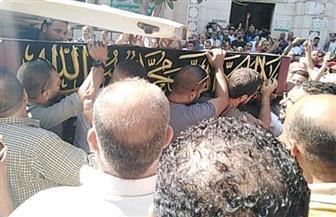 المئات يشيعون جثمان طلعت زكريا من مسجد العمري بالإسكندرية | صور
