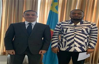 سفير مصر في كينشاسا يبحث سبل دعم الكونغو في مجال الرعاية الصحية ومكافحة وباء الإيبولا
