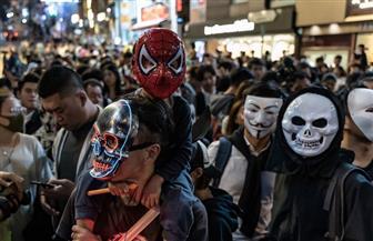 """المتظاهرون في هونج كونج يواصلون تظاهراتهم بأقنعة """"الهالوين"""""""