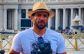على طريقه فيلم «عنتر شايل سيفه».. حسن الرداد يداعب جمهوره من روما | صور