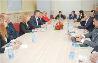 سفير مصر في بلجراد يشارك في زيارات مجموعة رؤساء البعثات الدبلوماسية العربية لـ3 مدن صربية | صور