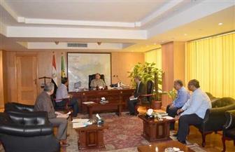 محافظ الفيوم يوجه لجنة فحص وتقنين أراضي أملاك الدولة بإزالة التعديات