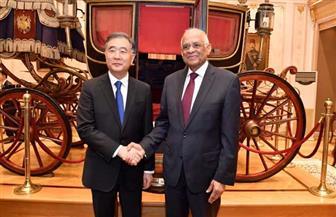 عبد العال يستقبل رئيس الغرفة الثانية للبرلمان الصيني.. ووانج يانج: نسعى لزيادة السائحين الصينيين إلى مصر| صور