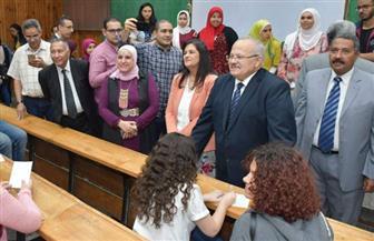 جولة تفقدية لرئيس جامعة القاهرة لمتابعة جولة الإعادة بالانتخابات الطلابية| صور