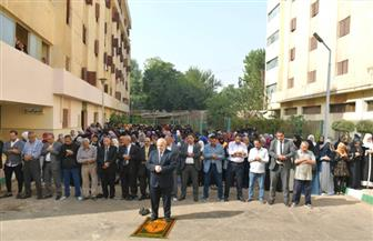 رئيس جامعة القاهرة يؤدي صلاة الغائب على طالبة طب بيطري المتوفاة بالمدينة الجامعية | صور