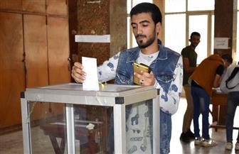 طلاب جامعة المنصورة يدلون بأصواتهم في جولة الإعادة بانتخابات اتحاد الطلاب | صور