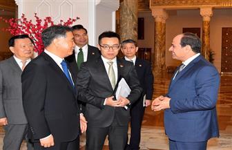 الرئيس السيسي يستقبل رئيس المجلس الاستشاري الصيني ويؤكد حرص مصر على تطوير التعاون الثنائي