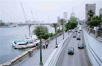 مرورالقاهرة يغلق جراجا بكورنيش النيل في بولاق لتحقيق السيولة