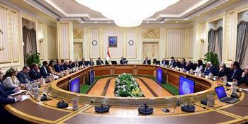 رئيس الوزراء يعقد اجتماعا لمتابعة إجراءات تيسير الإفراج الجمركي عن البضائع