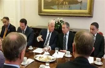 سفير مصر في بريطانيا ينظم لقاء لمحافظ جنوب سيناء مع ممثلين عن وزارتي الداخلية والنقل البريطانيتين