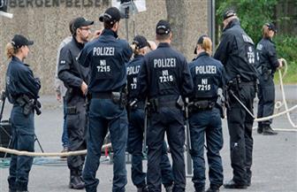 رجل يشعل النار في زوجته داخل سيارة جنوبي ألمانيا