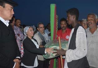 مساعدات اجتماعية لمتضرري السيول بمدينة حلايب وتعويضهم بمساكن بديلة |صور