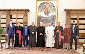 شيخ الأزهر وبابا الفاتيكان يلتقيان لجنة الأخوة الإنسانية ويستعرضان بيت العائلة الإبراهيمية| صور