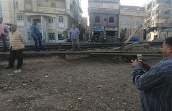 إزالة 22 معبرا عشوائيًا على السكة الحديد بنطاق  كفر البطيخ بدمياط | صور