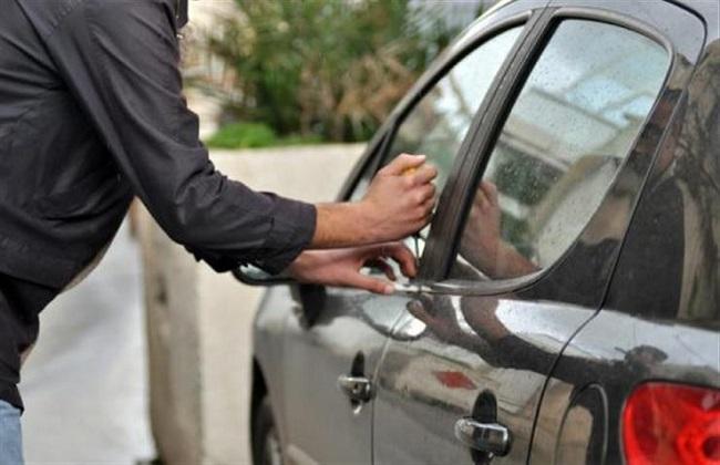 ضبط تشكيل عصابي تخصص في ارتكاب وقائع السرقة من داخل السيارات