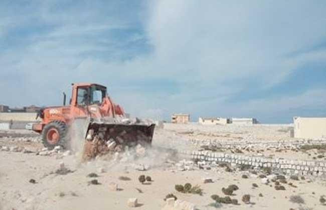 إزالة تعديات لاسترداد أراضى الدولة في مطروح