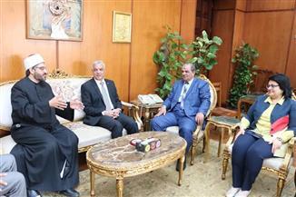 رئيس جامعة المنوفية يستقبل أمين دار الإفتاء | صور