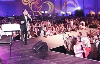 هاني شاكر يتألق في أولى حفلاته بأمريكا وسط 5 آلاف من أبناء الجالية العربية | صور