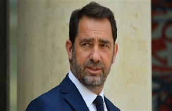 وزير الداخلية الفرنسي: بلطجية يقفون وراء العنف في احتجاجات السترات الصفراء