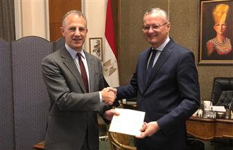 السفير الأمريكي إلى مصر جوناثان كوهين يصل القاهرة ويقدم أوراق اعتماده إلى وزارة الخارجية