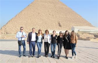 وزيرة السياحة البلغارية في زيارة للأهرامات ومجمع الأديان | صور