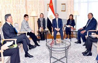 الرئيس السيسي يستقبل وزيرة الدفاع الألمانية بمقر إقامته ببرلين| صور وفيديو