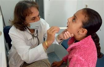 توقيع الكشف الطبي على 1630 حالة خلال قافلة بقرية دير البرشا بالمنيا