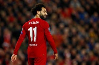 محمد صلاح أساسيا مع ليفربول في مواجهة أستون فيلا