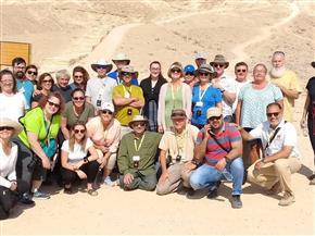 وفد سياحي من الولايات المتحدة يزور منطقة آثار تل العمارنة بالمنيا