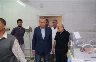 تحويل 34 طبيبا وممرضا وإداريا للتحقيق بمستشفى فرشوط بقنا | صور