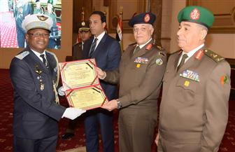 القوات المسلحة: تخريج 5 دورات تدريبية للدارسين الوافدين من 29 دولة إفريقية في مختلف التخصصات | صور