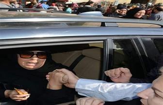 أشرف زكي وإلهام شاهين أبرز الحاضرين في جنازة شقيقة فيفي عبده بمسجد السيدة نفيسة |صور
