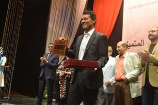تكريم خالد النبوي في مهرجان الإسكندرية المسرحي العربي